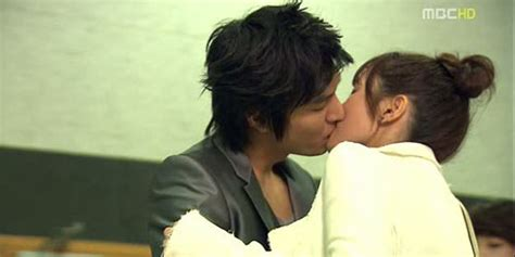 film korea hot ranjang hot inilah 14 foto adegan ciuman drama korea jodha