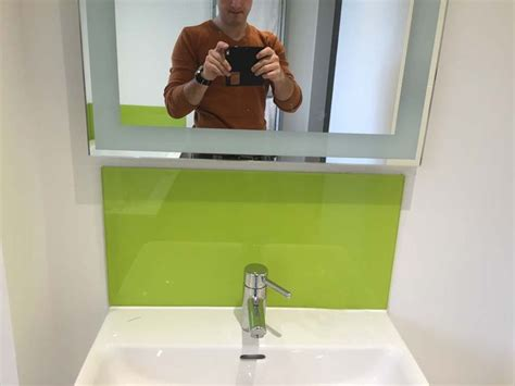 bathroom splashback ideas 20 best glass in bathrooms images on glass