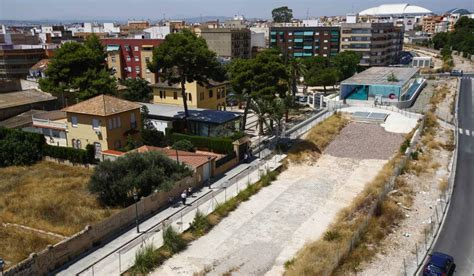 tras las vias 8499926045 solares y degradaci 243 n toman los terrenos liberados tras soterrar las v 237 as del metro de valencia