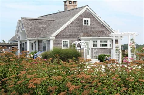 cape cod style home cape cod style homes cape cod homes pinterest