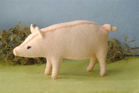 Felt Pig Sewing Pattern   Delilah Iris