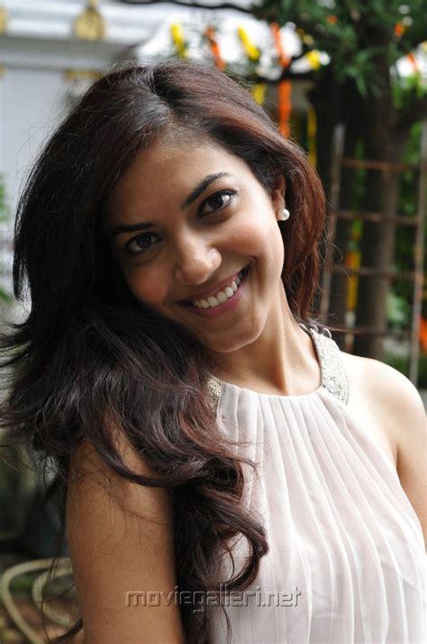 film director romance with heroine picture 284017 telugu movie romance heroine ritu