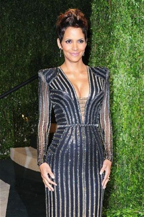 Revealed The Picture That Sparked Halle Berrys Anti Semitic Controversy by 17 Best Images About Halle Berry On Halle