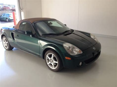 free car manuals to download 2005 toyota mr2 spare parts catalogs buy used 2005 toyota mr2 spyder manual convertible 1 8l awesome condition will sell fast in