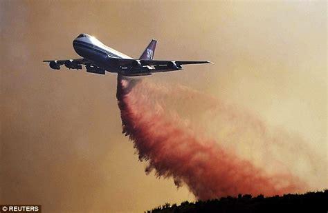 plane fighting global supertanker boeing 747 400 will dump even more