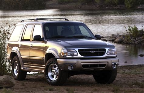 how to sell used cars 2001 ford explorer auto manual usa 2000 ford explorer climbs onto podium again best selling cars blog