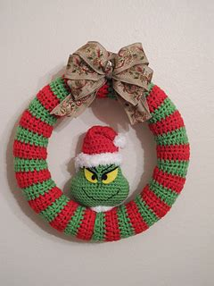 felt grinch pattern ravelry grinch wreath pattern by love to be in stitches
