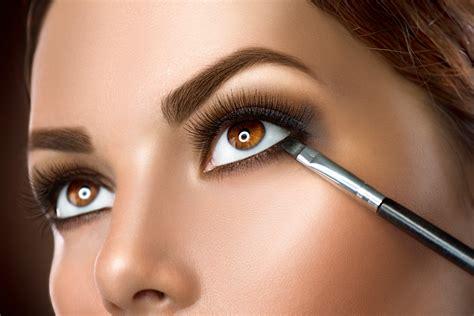 Schminktipps Braune Augen by Das Perfekte Make Up F 252 R Brillentr 228 Gerinnen Schminktipps