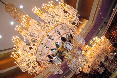 Cristal Chandeliers 4 24 Atlantic City Taj Mahal Casino Lobby View