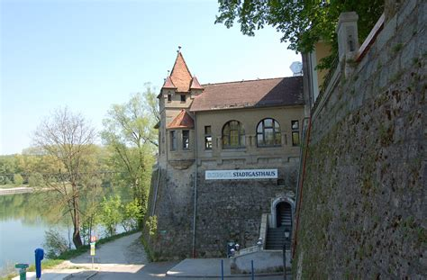 braunau inn file stadtbefestigung braunau am inn theatergasse 1 3 ii jpg