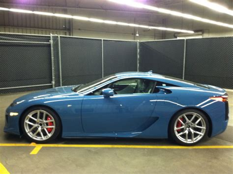 lexus lfa blue lexus lfa spotted in slate blue autoevolution