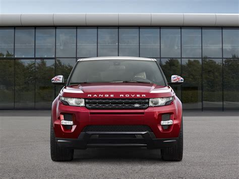 maroon range rover evoque range rover evoque gets patriotic sw1 editions for paris
