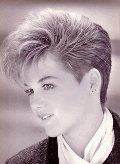80s style wedge hairstyles 80s short hairstyles for women 80s hairstyle 60 art