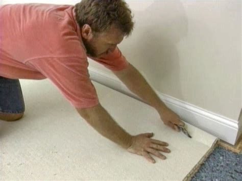 Roll Back The Rug Line by How To Install Wall To Wall Carpet Yourself How Tos Diy