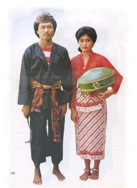 Baju Adat Madura Tk Sepasang budaya makanan dan ciri khas pulau madura desysusanti1221