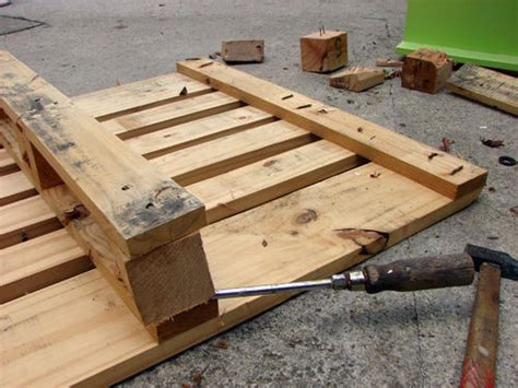 25 more ways of turning pallets into unique pieces of