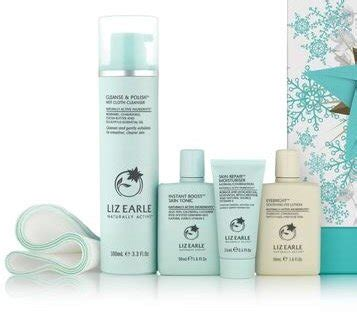 The Detox Now Gift by Liz Earle Cleanse Gift Set Mums Do Travel