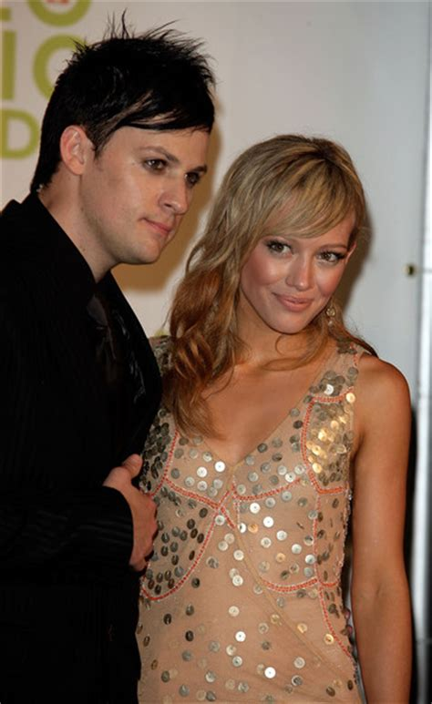 Joel On With Hilary by Hilary Duff Pictures 2005 Mtv Vma S Hosted By Diddy