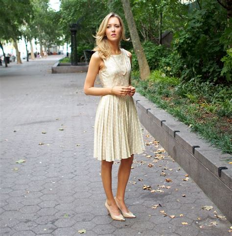 fashion blogs for women in their 20s the classy cubicle chagne the fashion blog for young