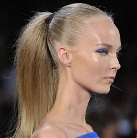 woman bang hairstyles receding hairliine five reasons why your hair isn t listening to you