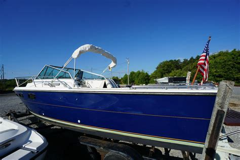 tiara pursuit    sale   boats  usacom