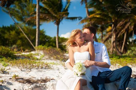 Mayan Riviera wedding photographer Elena Fedorova.