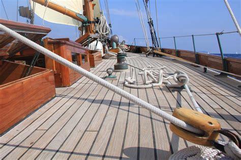 sailboat generator squeaking sailboat background noise generator