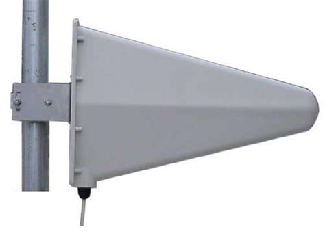 mb825 high performance multi band 800mhz 2500mhz 9dbi yagi directional cellular pcs iden cell