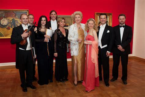 bank austria wörgl ungarischer galaabend mit birgit sarata bank austria