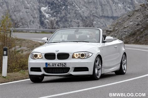 world debut  bmw  series convertible