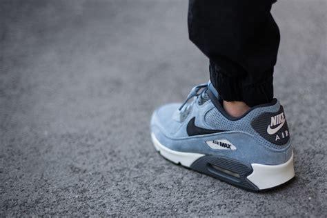 sepatu nike airmax 90 premium blue nike air max 90 leather premium blue graphite sneaker