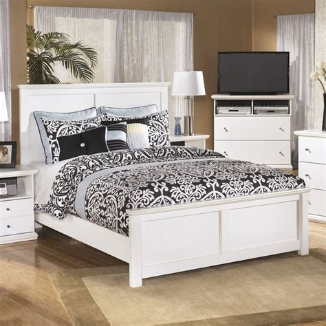 white wood queen bed ashley bostwick shoals wood queen panel bed in white