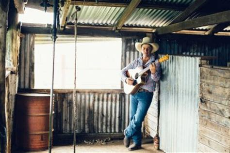 tom curtain country music tom curtain debuts at no 1 with territory time album