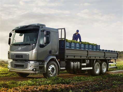 2014 volvo semi 2014 volvo v m 330 6x2 semi tractor wallpaper 4096x3072