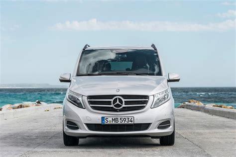 mercedes  class luxury minivan pictures  details