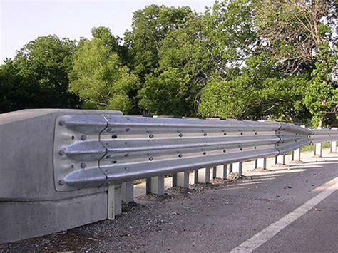 Lu Jalan Murah Jual Guard Rail Pagar Pengaman Jalan Di Lubuklinggau 0813 5710 7555 Rinanti