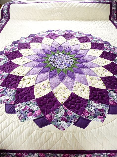 Handmade Quilts Patterns - amish quilt dahlia pattern