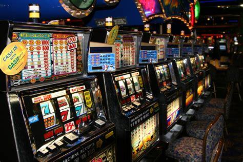 play    ease gamblers losses  slot machines