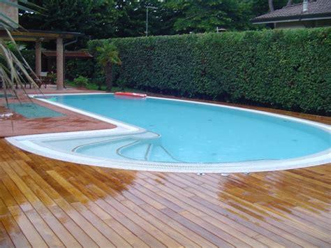 pavimenti bordo piscina pavimentazione bordo piscina parquet livorno