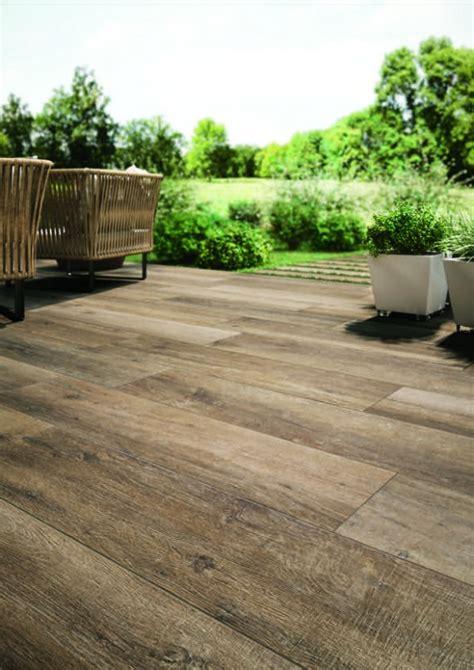 terrasse feinsteinzeug terrassenplatten aus 20 millimeter feinsteinzeug die