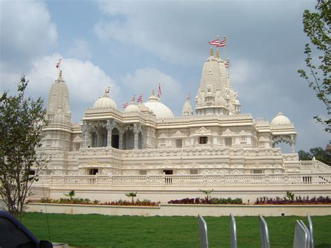 hindu temple 301 moved permanently