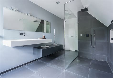 badezimmer baseboard ideen cooles bad in betonfliesen