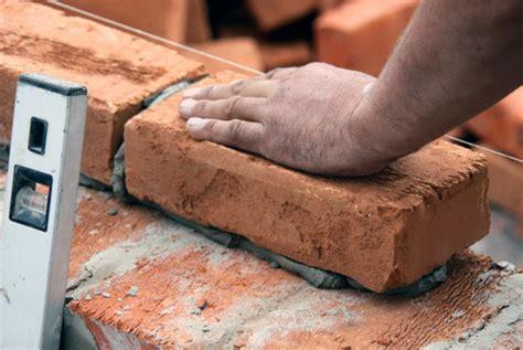 Bata Merah Paket 100 Batu Bata Bata Bangunan Trenggalek memilih antara bata merah batako atau bata ringan hebel untuk dinding rumah anda pt