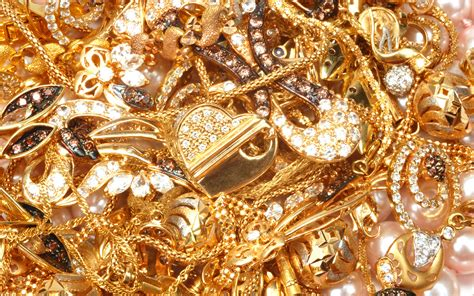 gold wallpaper models 24 jewellery background wallpaper hd 1190 gold