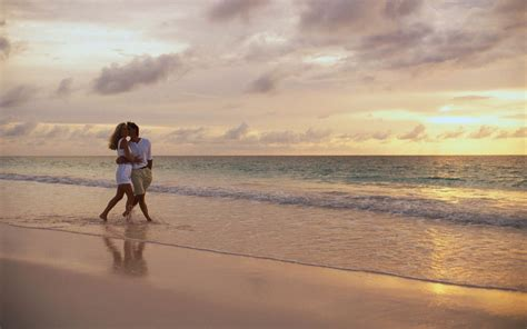 couple together hd wallpaper love couple walking together wallpapers love love