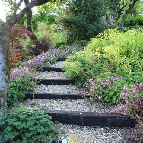 Steep Slope Garden Ideas Secret Landscaping Front Garden Drive Designs