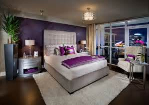 farbgestaltung f 252 r schlafzimmer das geheimnisvolle lila color scheme purple and silver eclectic living home