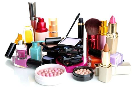 7 Make Up Items For 40 by 7 Alternate Uses Of Makeup Products