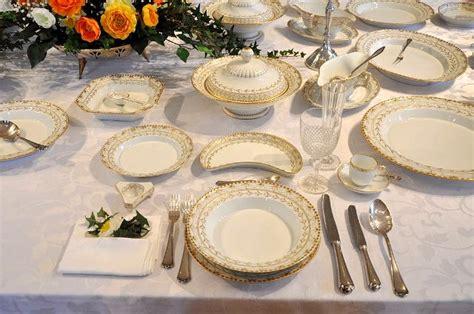 tavoli apparecchiati per natale galateo la tavola elegante ieri oggi in cucina