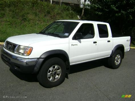 white nissan frontier 2000 cloud white nissan frontier xe crew cab 4x4 37638042